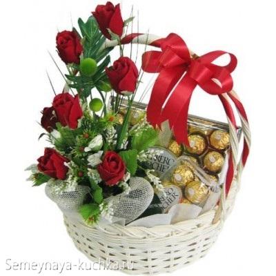 розы красные в белой корзине картинка