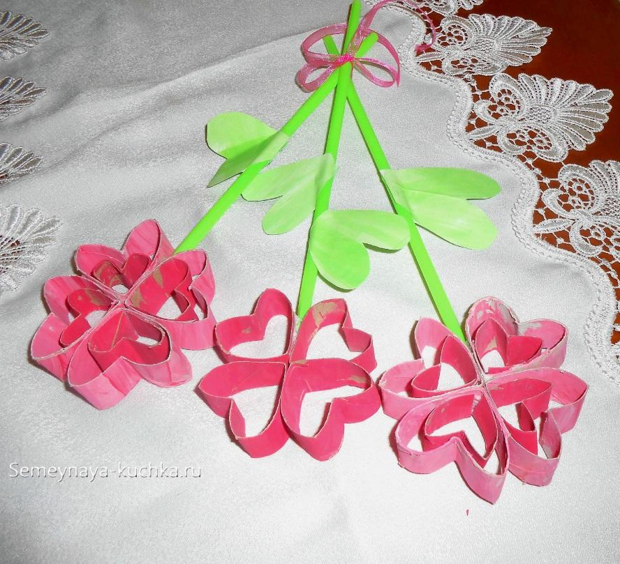 как сделать цветы из картона для мамы