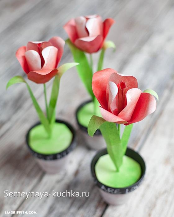 поделка цветы для мамы в стаканчике