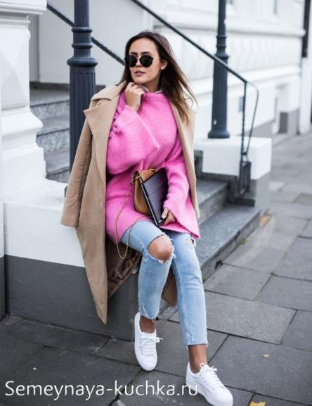 пальто с джинсами бежевое