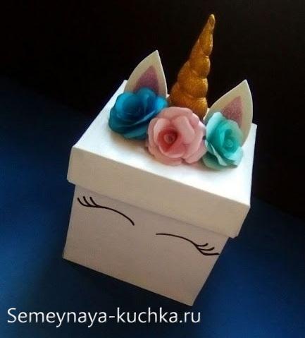 поделка для мамы коробочка