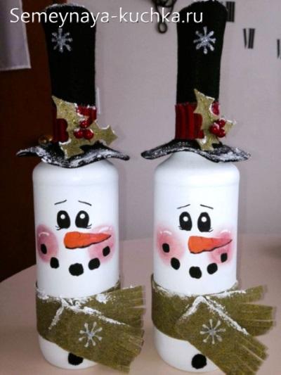 поделка снеговик из бутылок