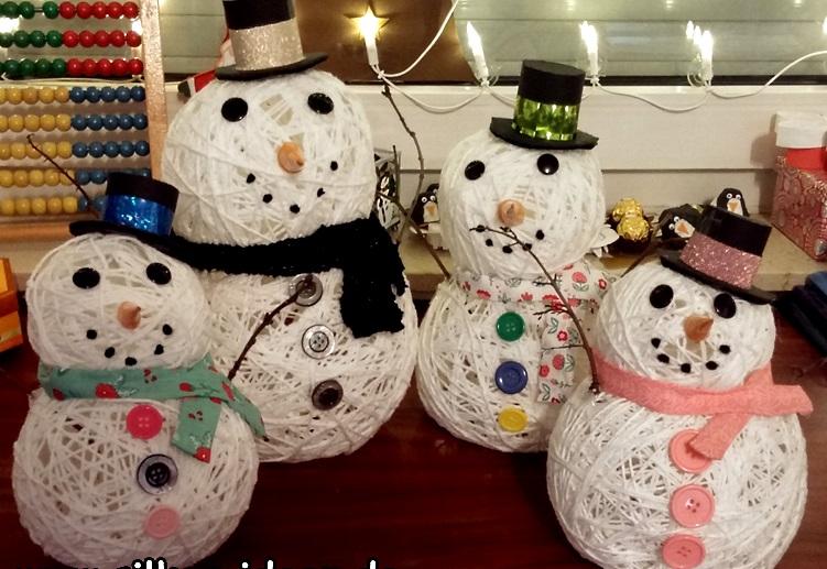 снеговики из ниток