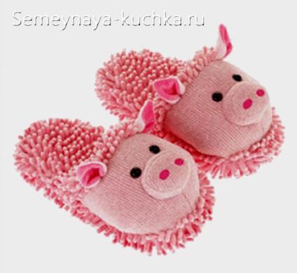 поделка свинка тапочки