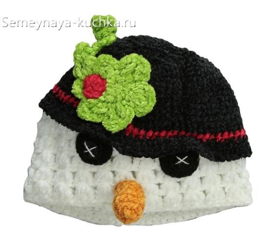 маленькая шапочка крючком снеговик детская
