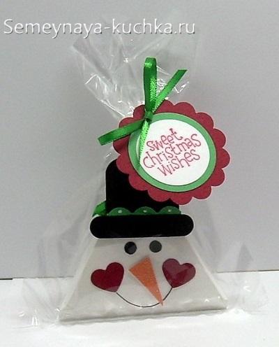 снеговик из бумаги поделка треугольная