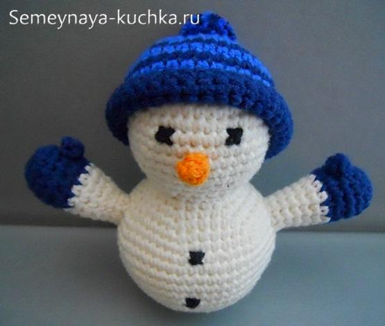 простой снеговик крючком