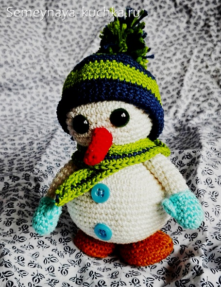 как связать снеговика своими руками