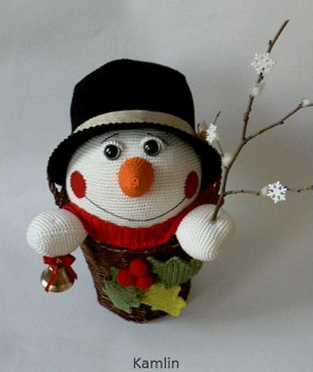 добрый веселый снеговик