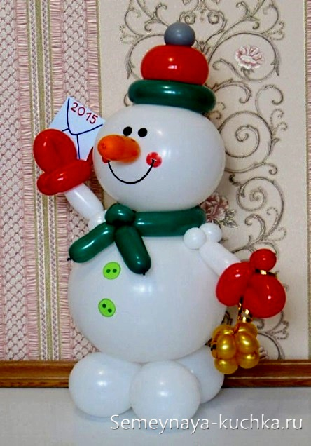снеговик из воздушного шара