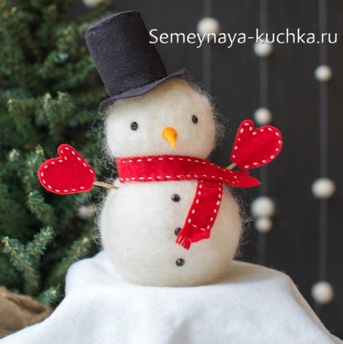 снеговик из шерсти валяный
