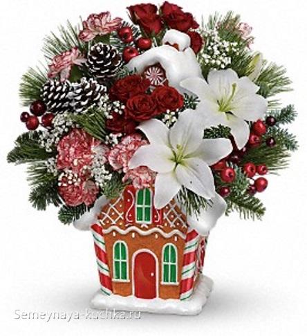 декоративный новогодний букет в пряничном домике