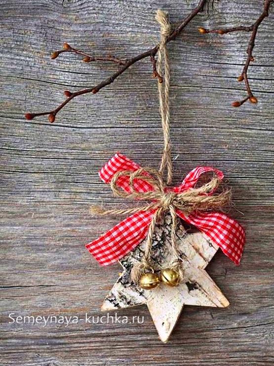 украшение на елку из дерева