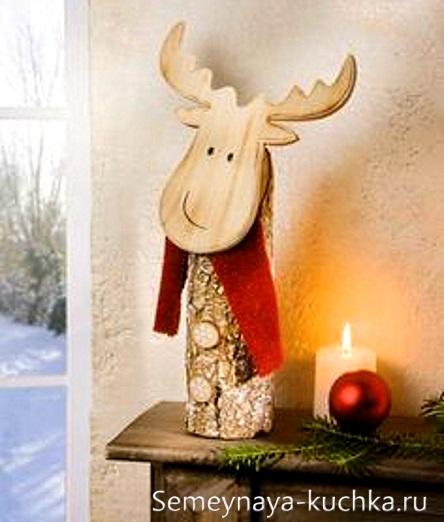 поделка новогодний олень из дерева