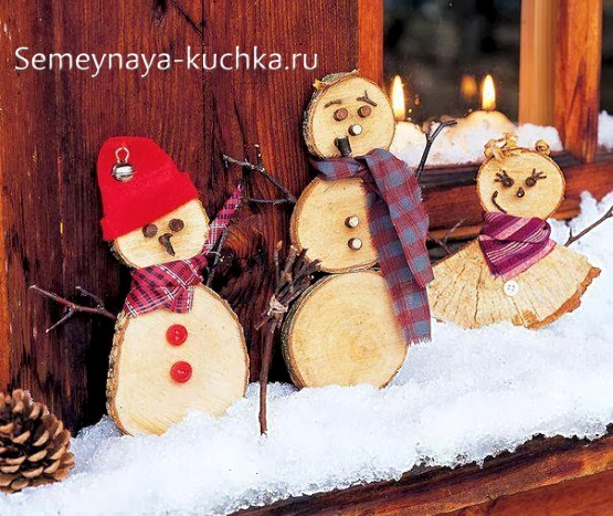 поделка снеговик деревянный