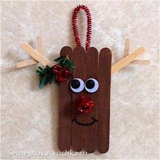 поделка из деревянных палочек на новый год