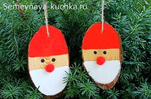 Дед мороз на новый год из дерева