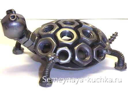 простая поделка из металла 7 класс черепаха их гаек сварная