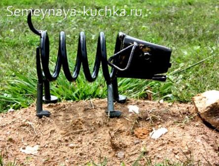 поделка из металла собака рессора