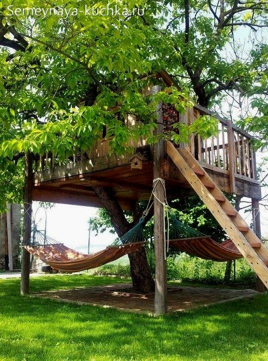 домик на детской площадке своими руками на дереве