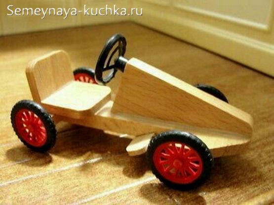 машинка для детской площадке на колесах