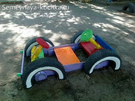 машина скамейка из досок и покрышек для детской площадки