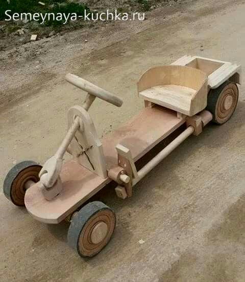 машинка из дерева для детской площадки игровое оборудование своими руками