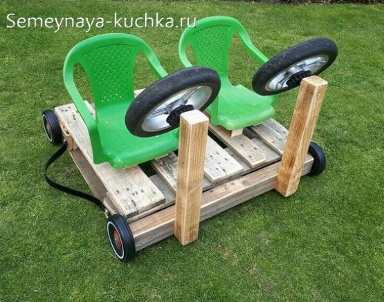 машинка с рулем и сиденьями для детской площадки своими руками