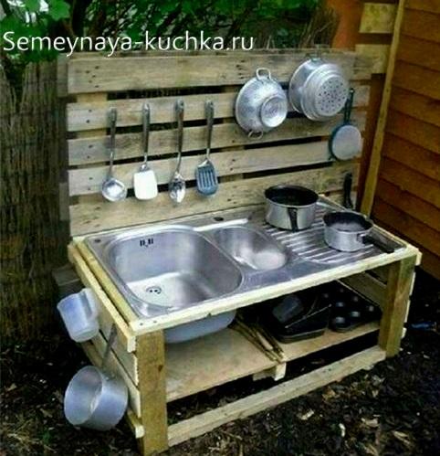 игрушечная кухня детский уголок на даче