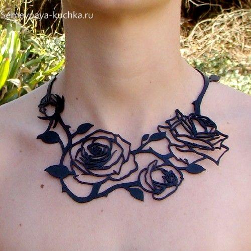 украшение розы на шею из кожи