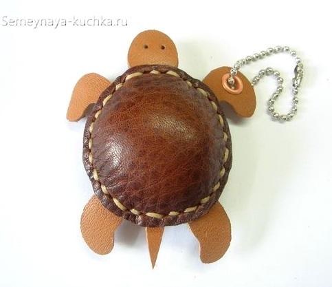 брелок из кожи натуральной черепаха