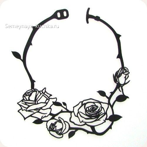 поделка колье на шею их кожи розы