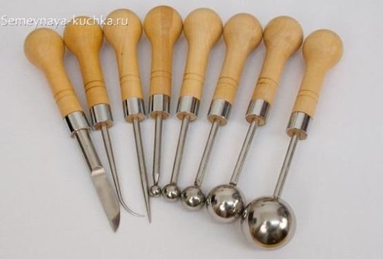 инструменты для работы по кожаным изделиям