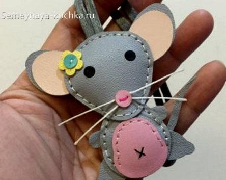 брелок мышка своими руками