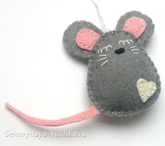 мышка из фетра