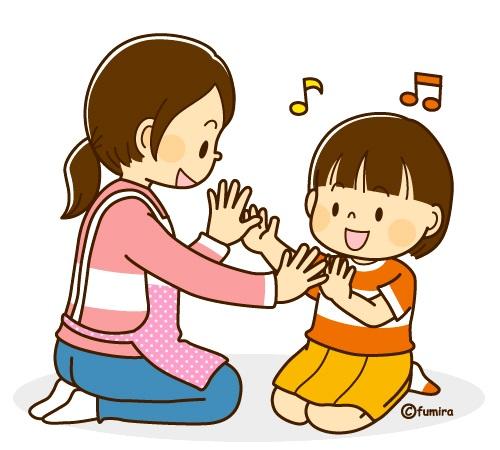 картинка дети играют с мамой в ладушки