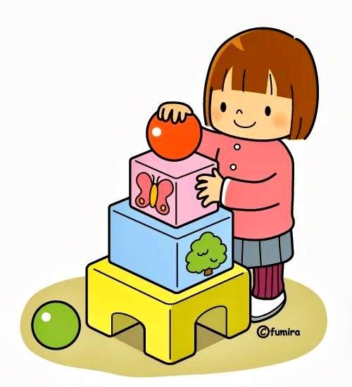 картинка девочка играет в кубики