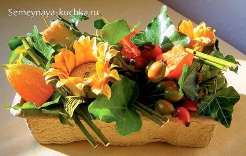 осенний букет с плодами шиповника своими руками