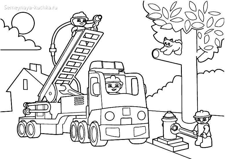 раскраска пожарные снимают кота с дерева